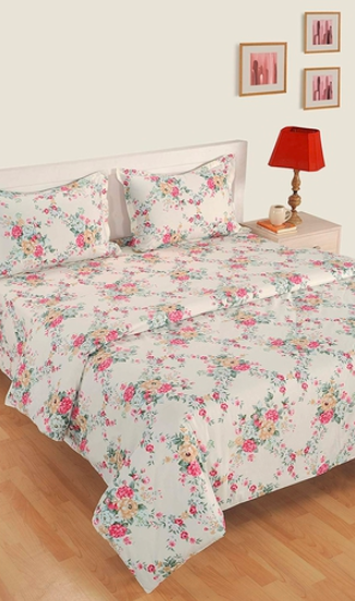 "This floral print, cotton <a href=""https://fave.co/2S84h72""><strong>AC comforter set by Swayam</strong></a>. Size: 90 inches X 60 inches (L x B). <em>Rs.4,999. </em><a href=""https://fave.co/2S84h72""><strong>Buy here!</strong></a>"