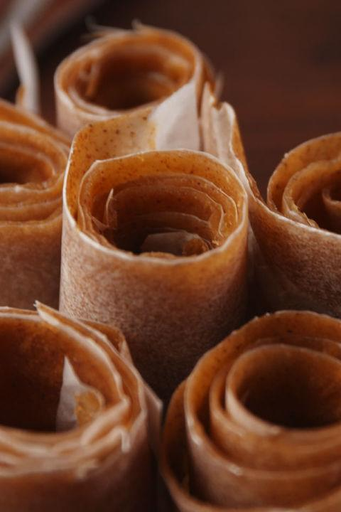"<p>The homemade version of your favorite childhood snack.</p><p>Get the recipe from <a rel=""nofollow"" href=""http://www.delish.com/cooking/recipe-ideas/recipes/a55795/apple-cinnamon-fruit-roll-ups-recipe/"">Delish</a>.</p>"