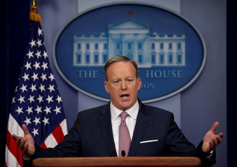 White House Press Secretary Sean Spicer apologises for saying unlike Assad, Hitler didn't gas his own people