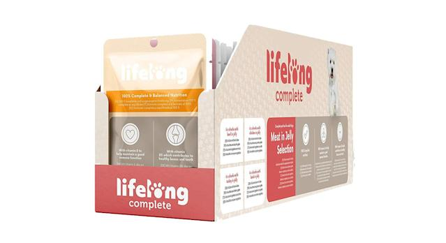 Lifelong Complete pet food for adult dogs