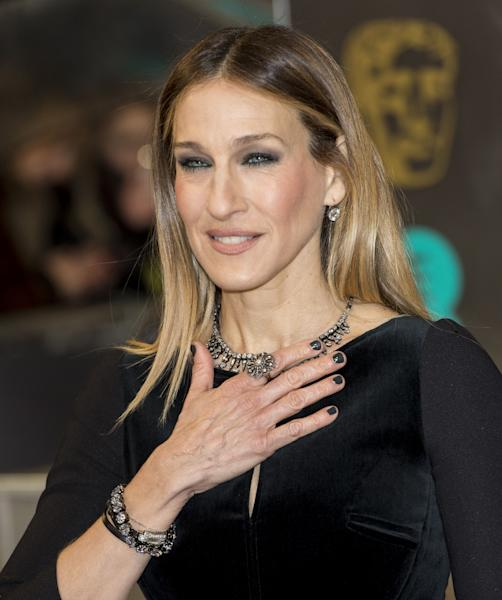 LONDON, ENGLAND - FEBRUARY 10:  Sarah Jessica Parker attends the EE British Academy Film Awards at The Royal Opera House on February 10, 2013 in London, England.  (Photo by Mark Cuthbert/UK Press via Getty Images)