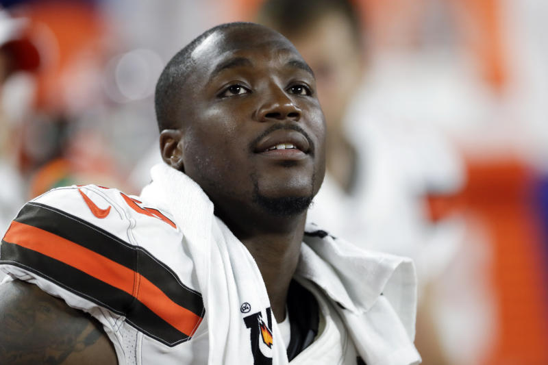 Cleveland Browns defensive end Chris Smith has decided to play on Monday night, days after his girlfriend was struck and killed on a Cleveland highway. (AP)