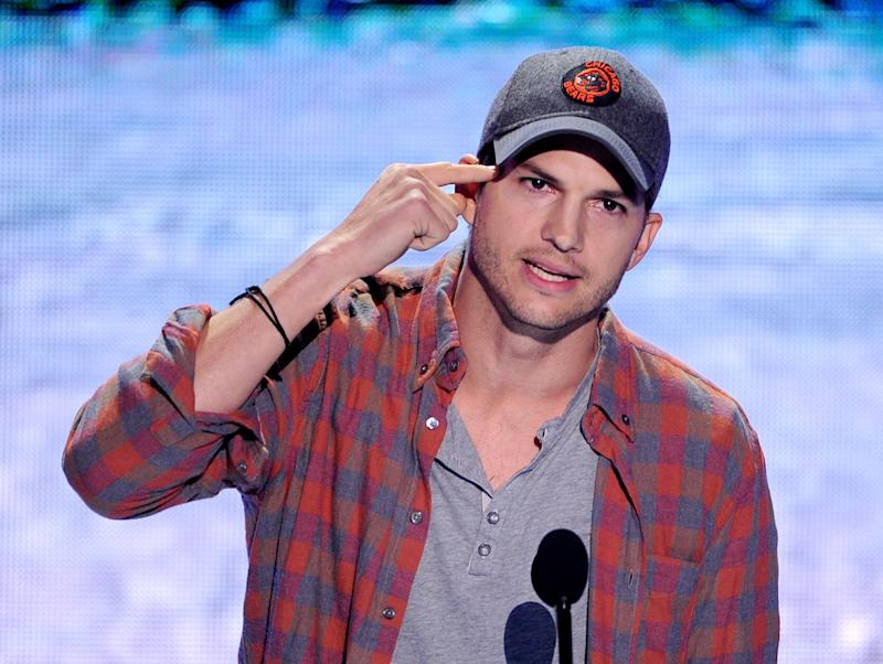 Ashton Kutcher at the Teen Choice Awards 2013 at the Gibson Amphitheatre on August 11, 2013 in Universal City, California. (Photo: Getty)