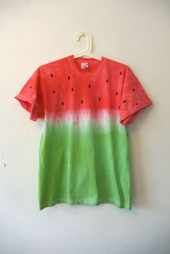 """<p>Make yourself a summer style staple by painting yourself a watermelon tee. <i><a href=""""https://uk.pinterest.com/pin/496029346438024454/"""">[Photo: Pinterest]</a></i></p>"""