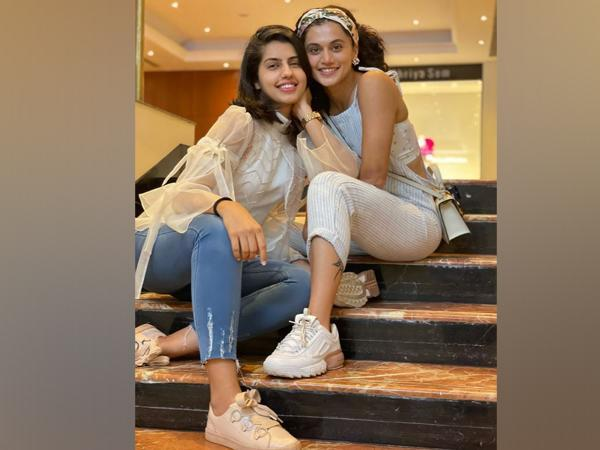 Taapsee Pannu with her sister Shagun Pannu (Image source: Instagram)
