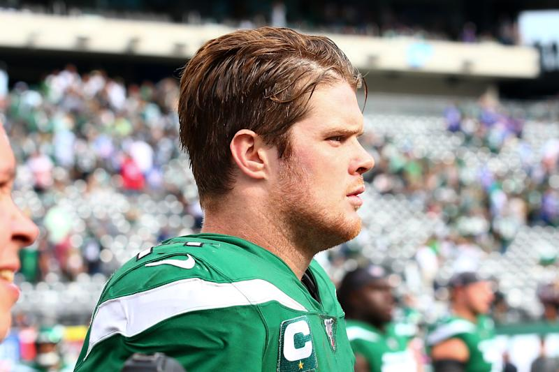 EAST RUTHERFORD, NJ - SEPTEMBER 08: New York Jets quarterback Sam Darnold (14) after the National Football League game between the New York Jets and the Buffalo Bills on September 8, 2019 at MetLife Stadium in East Rutherford, NJ.(Photo by Rich Graessle/Icon Sportswire via Getty Images)