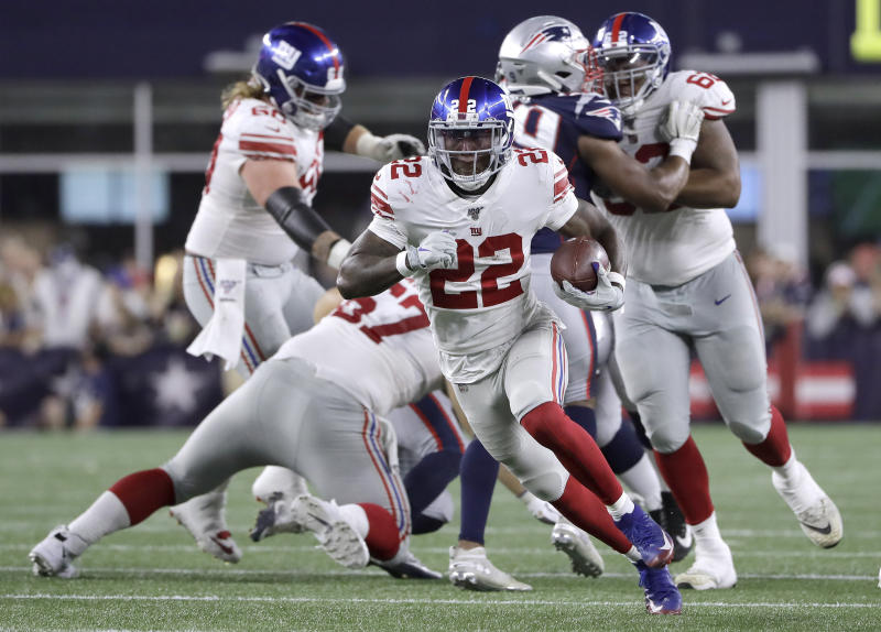 Edmonds runs for 3 TDs, Cardinals top Giants in Barkley's return