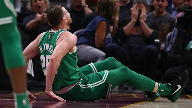 Gordon Hayward suffered a gruesome left leg injury Tuesday night in the Celtics' game against the Cavaliers. Several NBA players tweeted in support of Hayward.