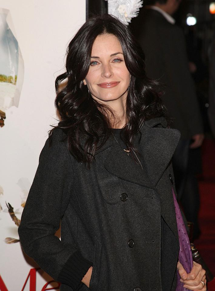"<a href=""http://movies.yahoo.com/movie/contributor/1800024387"">Courteney Cox Arquette</a> at the Los Angeles premiere of <a href=""http://movies.yahoo.com/movie/1809995057/info"">Marley & Me</a> - 12/11/2008"