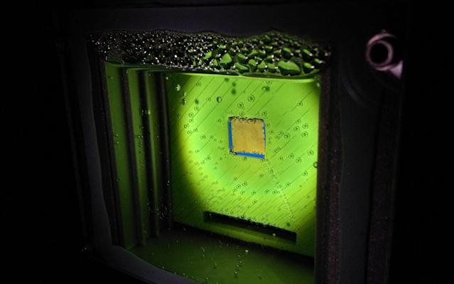 The 'artificial leaf' uses water, sunlight and carbon dioxide to produce a widely-used gas - PA