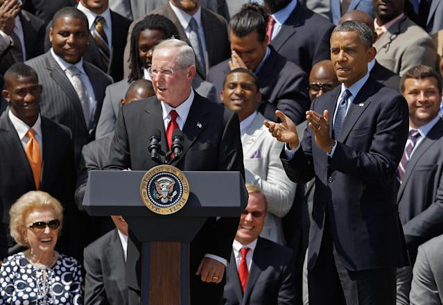 WASHINGTON, DC - JUNE 08: U.S. President Barack Obama applauds New York Giants Head Coach Tom Coughlin while welcoming the National Football League Super Bowl champions to the White House June 8, 2012 in Washington, DC. The Giants defeated The New England Patriots 21-17 to win Super Bowl XXXXVI. (Photo by Chip Somodevilla/Getty Images)