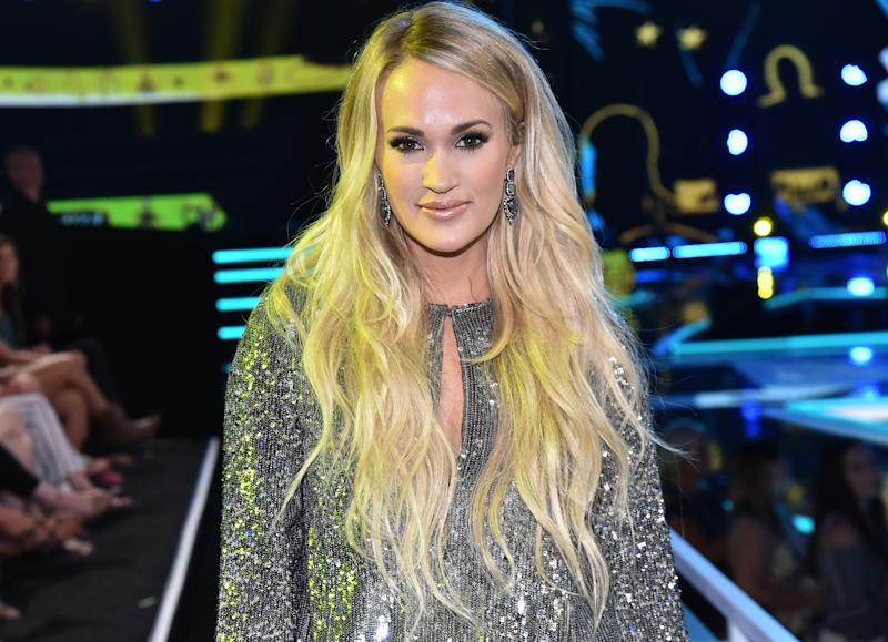 Carrie Underwood Says She Didn't Have Plastic Surgery