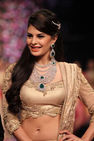 Jacqueline Fernandes brings the final show at IIJW to a close for PC Jewellers