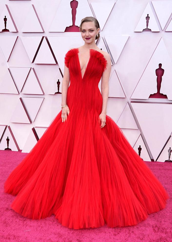 Amanda Seyfried Oscars red carpet 2021 (CHRIS PIZZELLO / AFP - Getty Images)
