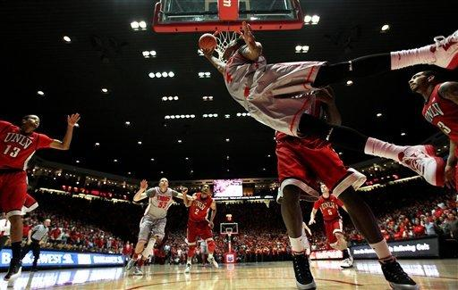 Kirk leads No. 25 New Mexico over No. 24 UNLV