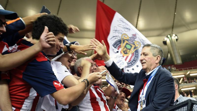 Chivas owner Vergara dies at 64