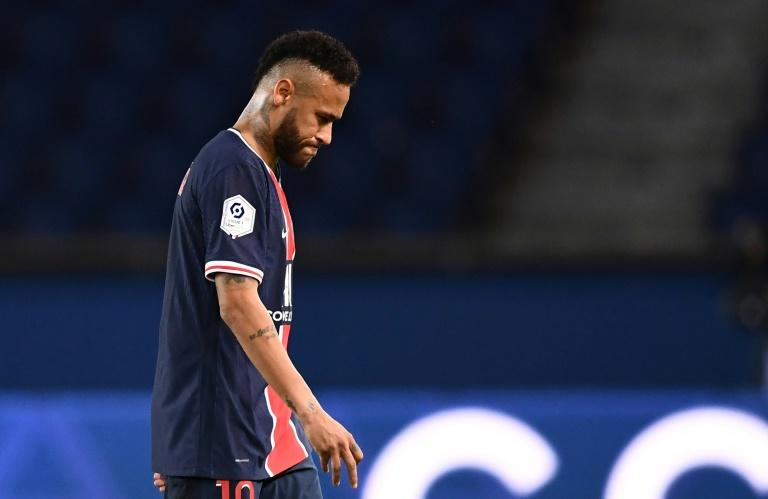 PSG stand by Neymar after Marseille red card