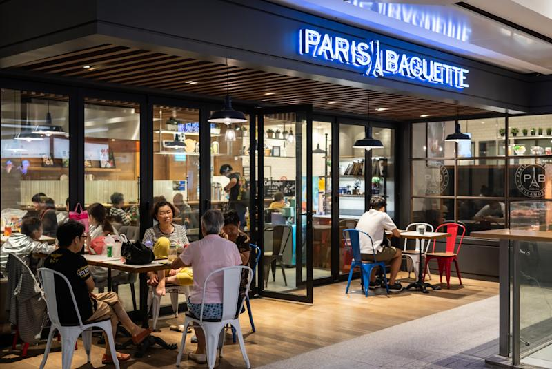 SHANGHAI, CHINA - 2019/08/25: Customers at a Paris Baguette bakery café in Shanghai. (Photo by Alex Tai/SOPA Images/LightRocket via Getty Images)
