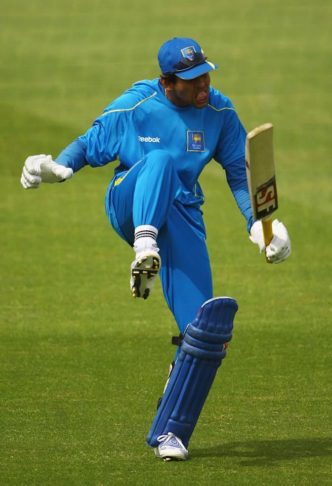 NOTTINGHAM, ENGLAND - JUNE 09:  Tillakaratne Dilshan of Sri Lanka bats in his football boots during a nets session at Trent Bridge on June 9, 2009 in Nottingham, England.  (Photo by Matthew Lewis/Getty Images)