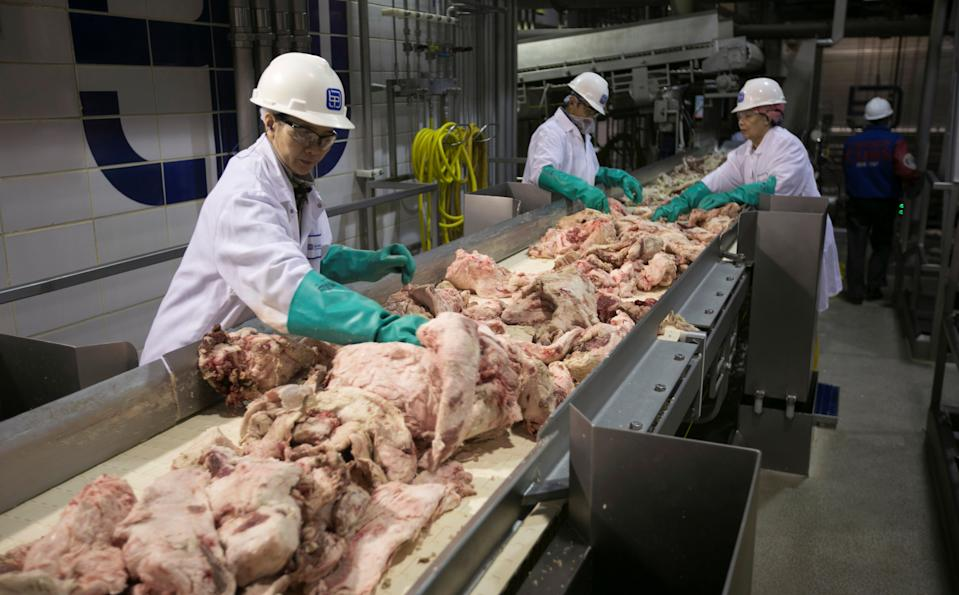Plant workers at the Beef Products facility in South Sioux City, Neb.