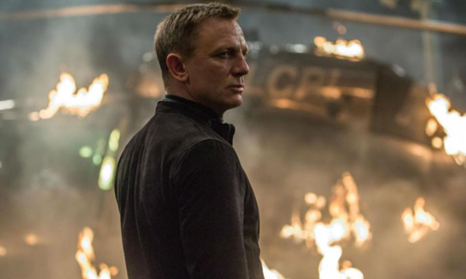 """<p>While shooting a fight scene, Daniel Craig <a href=""""http://ew.com/article/2015/10/26/daniel-craig-spectre-brawl/"""" rel=""""nofollow noopener"""" target=""""_blank"""" data-ylk=""""slk:sprained his knee"""" class=""""link rapid-noclick-resp"""">sprained his knee</a> but chose to continue shooting the film after a few day of rest. However, it turned out to be far more severe than initially thought and he ended up needing surgery on it after wrapping the movie. </p>"""