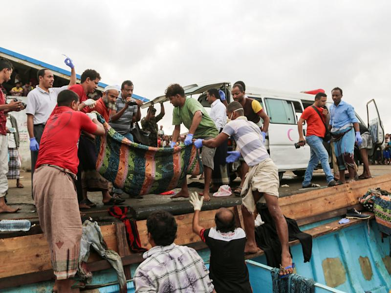 Bodies of people who were killed in a boat carrying Somali refugees arriving in the rebel-held Yemeni port city of Hodeida: AFP/Getty Images