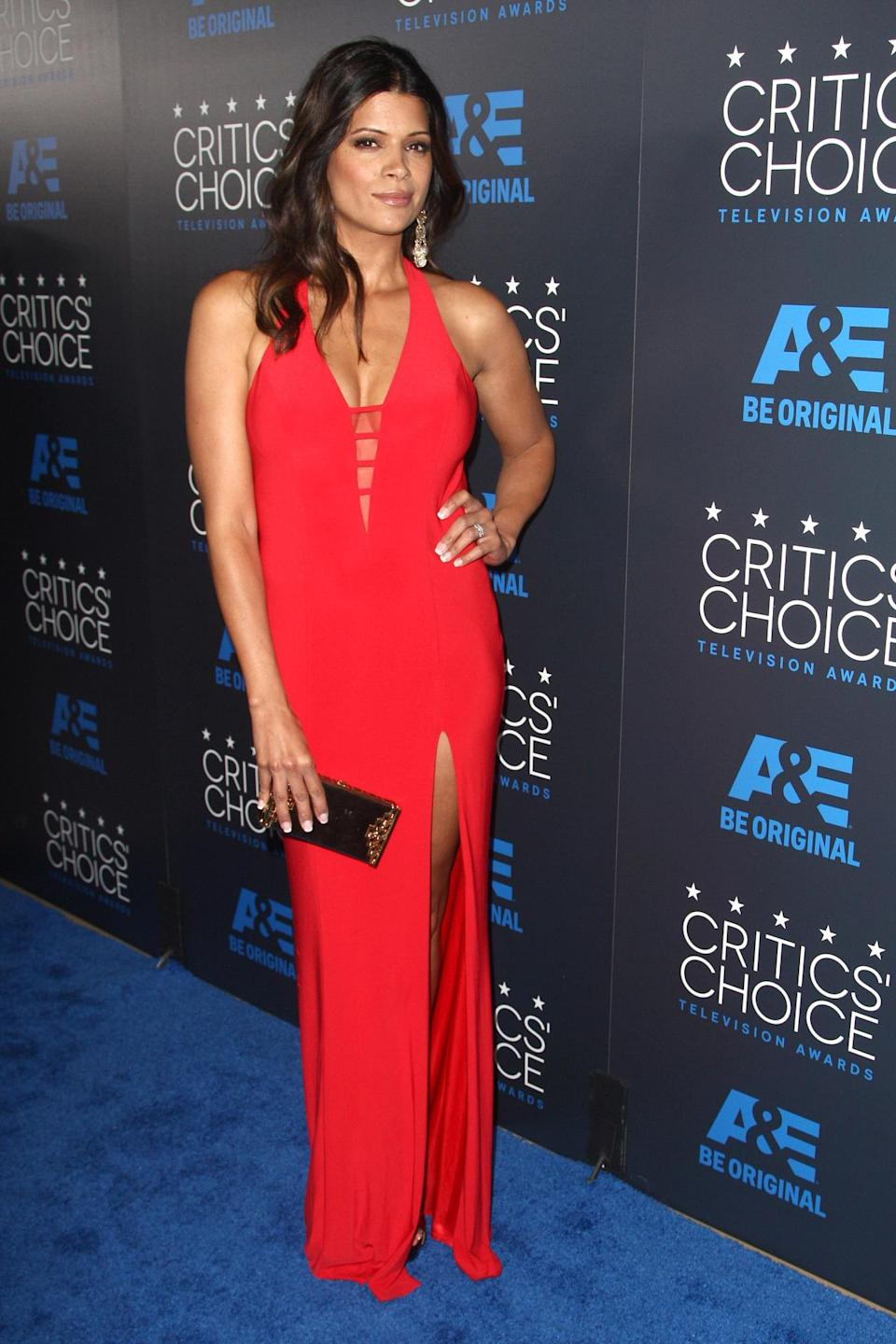 """When I had this to work with it was EASY styling GORJ #JaneTheVirgin star,"" Andrea Navedo's stylist wrote on Twitter of her sexy red look."