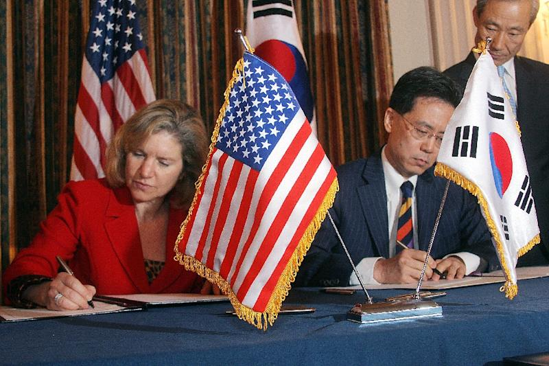 China skorea hit out at new us trade tariffs us trade representative susan schwab l and south korean trade minister kim hyun platinumwayz