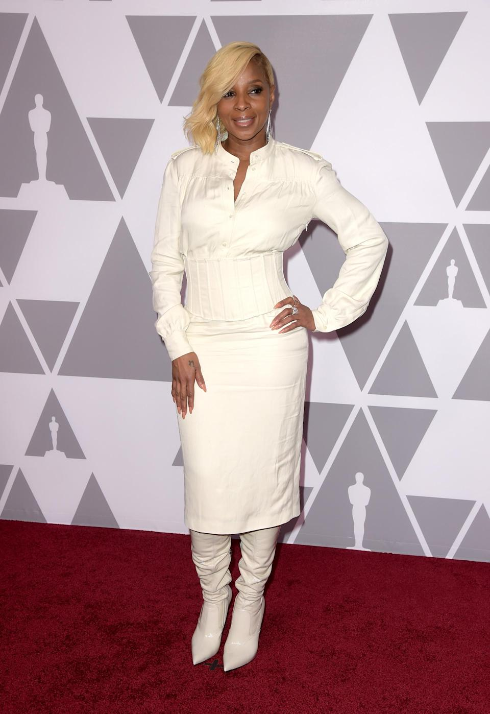 <p>The 'Mudbound' star opted for an all-white outfit by Tom Ford. <em>[Photo: Getty] </em> </p>