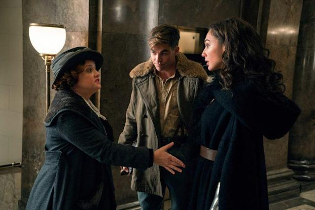 Etta Candy (Lucy Davis) is introduced to Diana by Steve Trevor (Chris Pine) in <i>Wonder Woman.</i> (Photo: Warner Bros.)