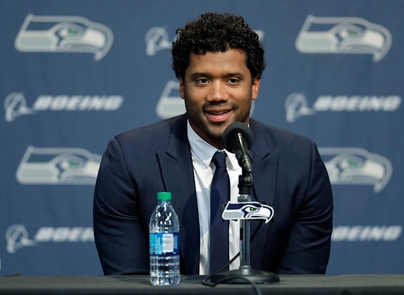 6ad1d059815 Russell Wilson Gifts Seattle Seahawks Teammates With  156K in Amazon Stock