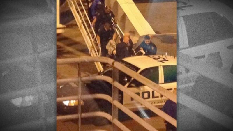 Man Breaks Past Airport Security Checkpoint, Breaks Into Plane at Seattle Airport