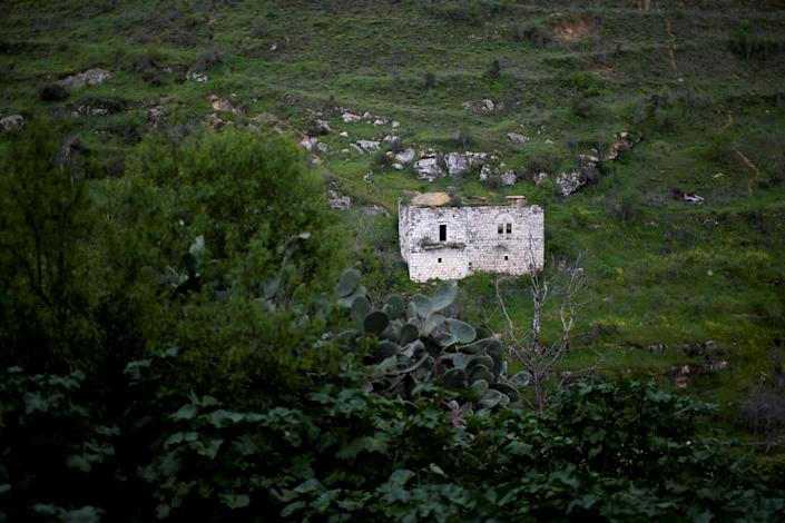 A house is seen in Lifta, a ruined Palestinian Arab village whose inhabitants left or were forced from their homes in the conflict that accompanied the end of British rule and the founding of Israel in 1948, March 5, 2019. The abandoned ruins are visible to travelers arriving at the western entrance of Jerusalem. (Photo: Ronen Zvulun/Reuters)