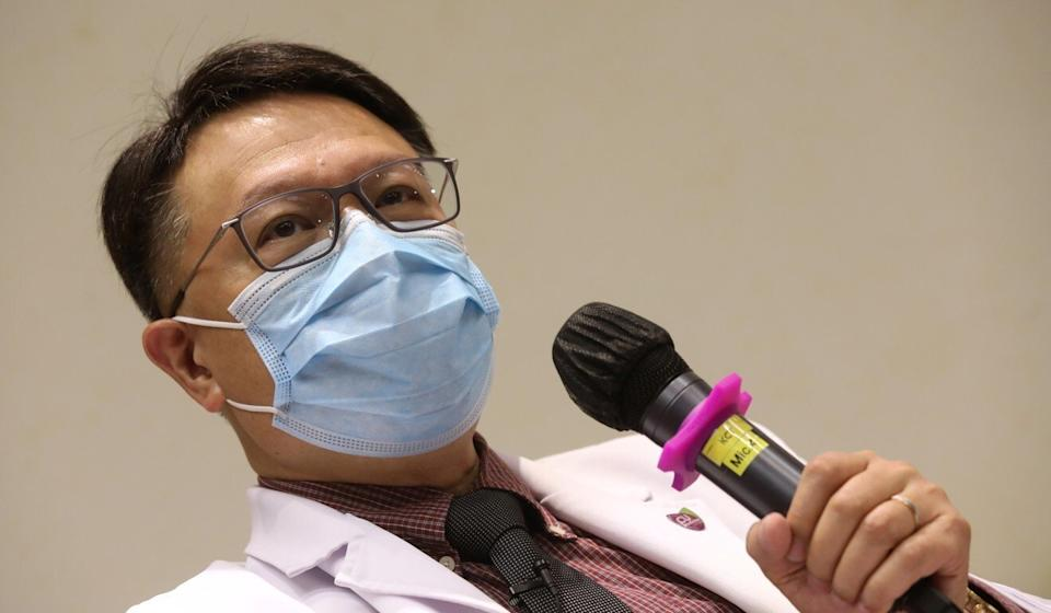 Professor David Hui pointed to the risks of many imported infections in the city. Photo: K. Y. Cheng