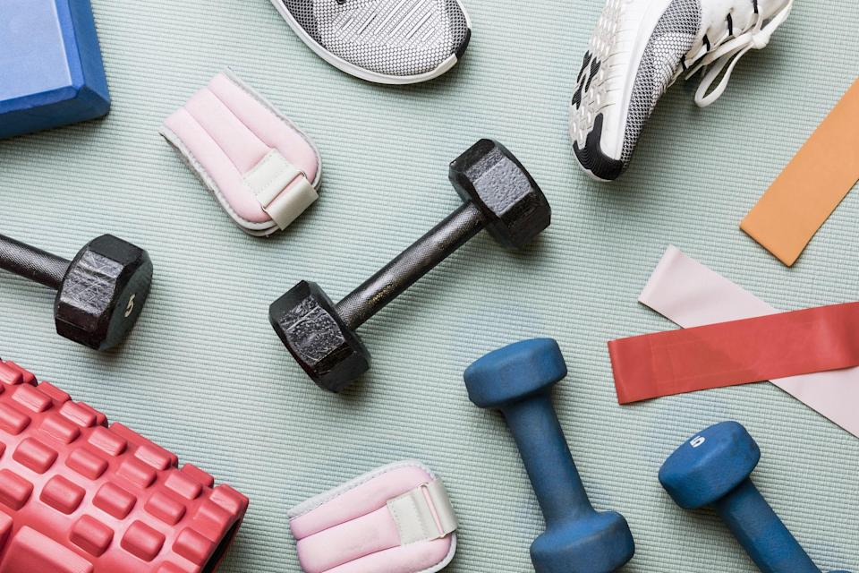 """<p>Let's face it: Getting yourself motivated to hit the gym isn't always easy. As much as you know you need to prioritize your health and fitness goals, sometimes you need a little extra push to get started on (or finish up) your latest <a href=""""https://www.goodhousekeeping.com/health/fitness/a31478709/home-workout/"""" rel=""""nofollow noopener"""" target=""""_blank"""" data-ylk=""""slk:home workout"""" class=""""link rapid-noclick-resp"""">home workout</a> — which, of course, is where these motivational workout quotes come in.</p><p>From uplifting sayings about exercise and fitness to <a href=""""https://www.goodhousekeeping.com/health/wellness/g2401/inspirational-quotes/"""" rel=""""nofollow noopener"""" target=""""_blank"""" data-ylk=""""slk:inspiring quotes"""" class=""""link rapid-noclick-resp"""">inspiring quotes</a> from famous athletes, coaches and sports figures, these workout quotes will give you that extra boost of motivation to keep running, cycling and lifting — or even just finishing that last set of burpees while you're following along with your favorite <a href=""""https://www.goodhousekeeping.com/health/fitness/g33326349/best-youtube-workouts/"""" rel=""""nofollow noopener"""" target=""""_blank"""" data-ylk=""""slk:Youtube workout channel"""" class=""""link rapid-noclick-resp"""">Youtube workout channel</a>. The next time you're struggling to get through that last rep or you feel discouraged by your progress, just remember these motivational words from some of the fitness world's most inspiring figures — and power through the pain to become the best, healthiest version of you that you can be!</p>"""