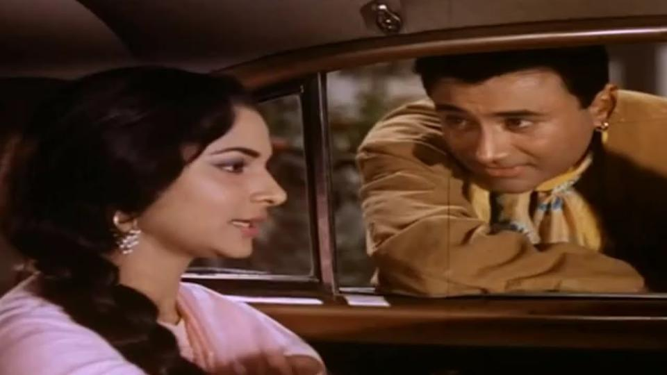 The Dev Anand-Waheeda Rehnman starrer is a classic of all times, and though it encircles a love story outside the sanctity of marriage, one feels no remorse while cheering for the guide and his romancing the wife of a wealthy archaeologist stuck in a loveless marriage. The director has treated the subject in an elegant manner which made the movie acceptable in the conservative India of the 1960s.