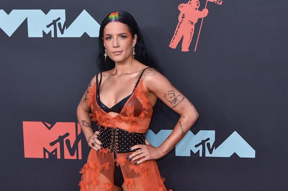 NEWARK, NEW JERSEY - AUGUST 26: Halsey attends the 2019 MTV Video Music Awards red carpet at Prudential Center on August 26, 2019 in Newark, New Jersey. (Photo by Aaron J. Thornton/Getty Images)