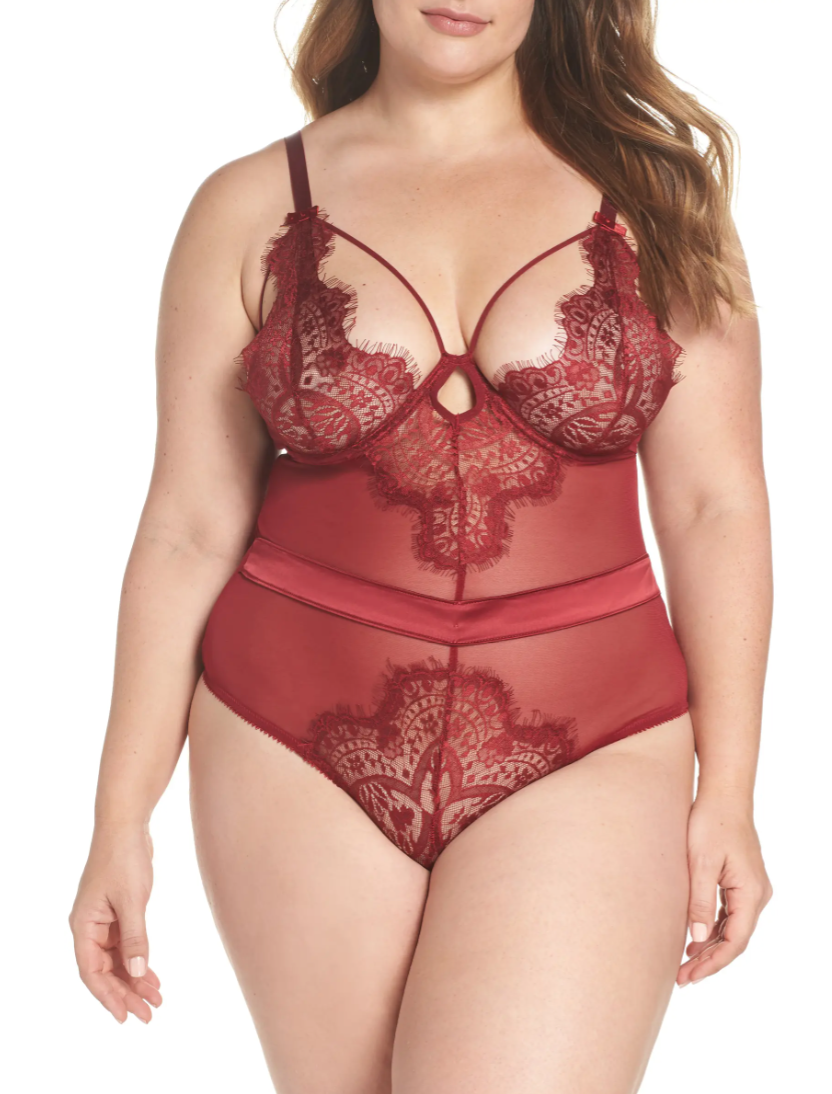 Oh La La Cheri 'Eyelash' Curves Lace Teddy (Photo via Nordstrom)
