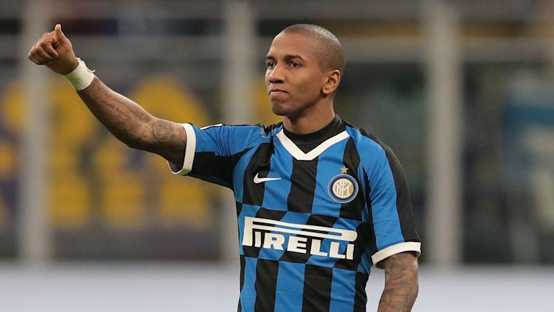 'It was a no-brainer!' - Young explains decision to swap Man Utd for Inter