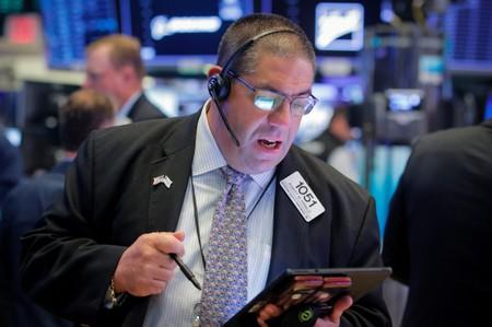 Dow Plunges As Wall Street Reacts To Trade Doubt, US Economy Concerns