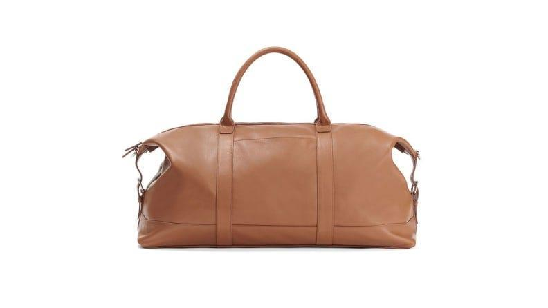 Best personalized grad gifts: Leather bag