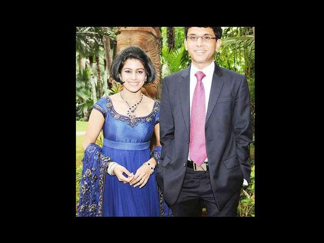 <b>4. Rohan Murthy and Lakshmi Venu</b><br>Down south, Rohan Murthy – son of Infosys' boss Narayana Murthy fell in love and won the hand of Lakshmi Venu, who happens to be the daughter of TVS Motors chairman and managing director Venu Srinivasan. Amidst Kanjivaram sarees and classical music, the duo got married in an elegant affair set to a predominantly South Indian theme in 2011.