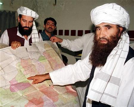 Jalaluddin Haqqani (R), the Taliban's Minister for Tribal Affairs