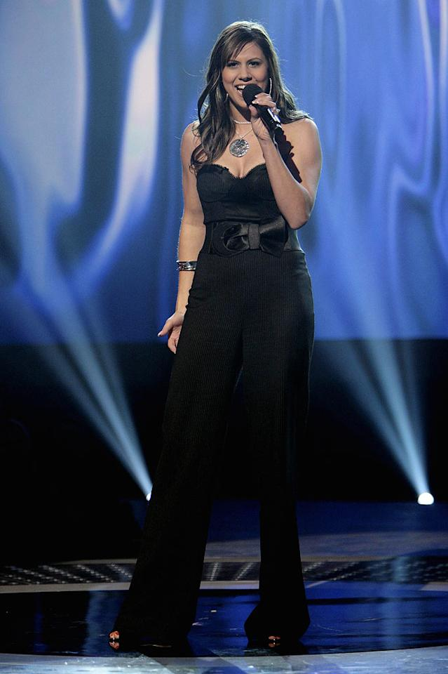 Haley Scarnato performs in front of the judges on 6th season of American Idol.