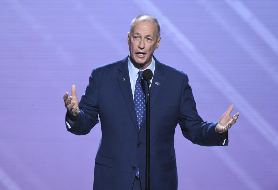 Former NFL quarterback Jim Kelly accepted the Jimmy V Award for Perseverance at the ESPY Awards last week. (AP)