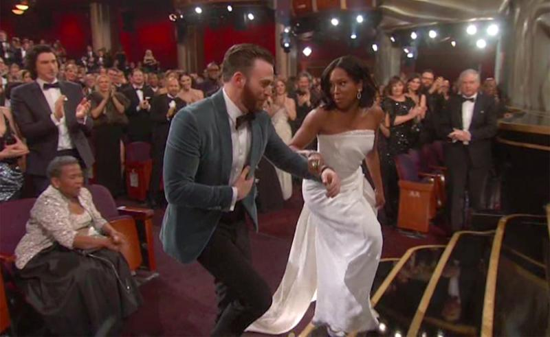 Chris Evans Helps Regina King to the Stage at the 2019 ...