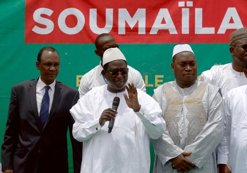 FILE PHOTO: Soumaila Cisse, leader of opposition party URD (Union for the Republic and Democracy), addresses his supporters during a rally in Bamako, ahead of the second round of Mali's presidential election