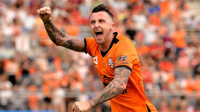 Roy O'Donovan and Jamie Maclaren hit hat-tricks on a pulsating Sunday in the A-League, which ended with Sydney FC beating Melbourne Victory.