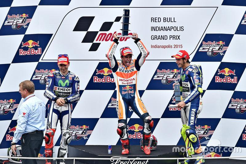"Podio: 1º Marc Márquez, 2º Jorge Lorenzo, 3º Valentino Rossi<span class=""copyright"">Indianapolis Motor Speedway</span>"