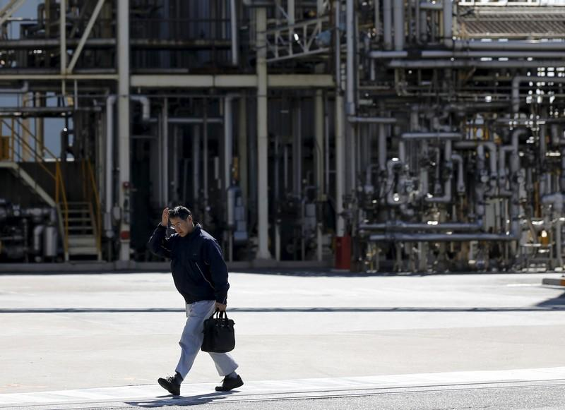 Japan September real wages rise for first time in nine months - government